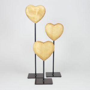 Design Deko Holzherz auf Metallfuss